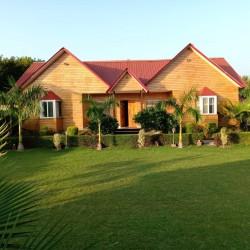 Farms houses For Sale