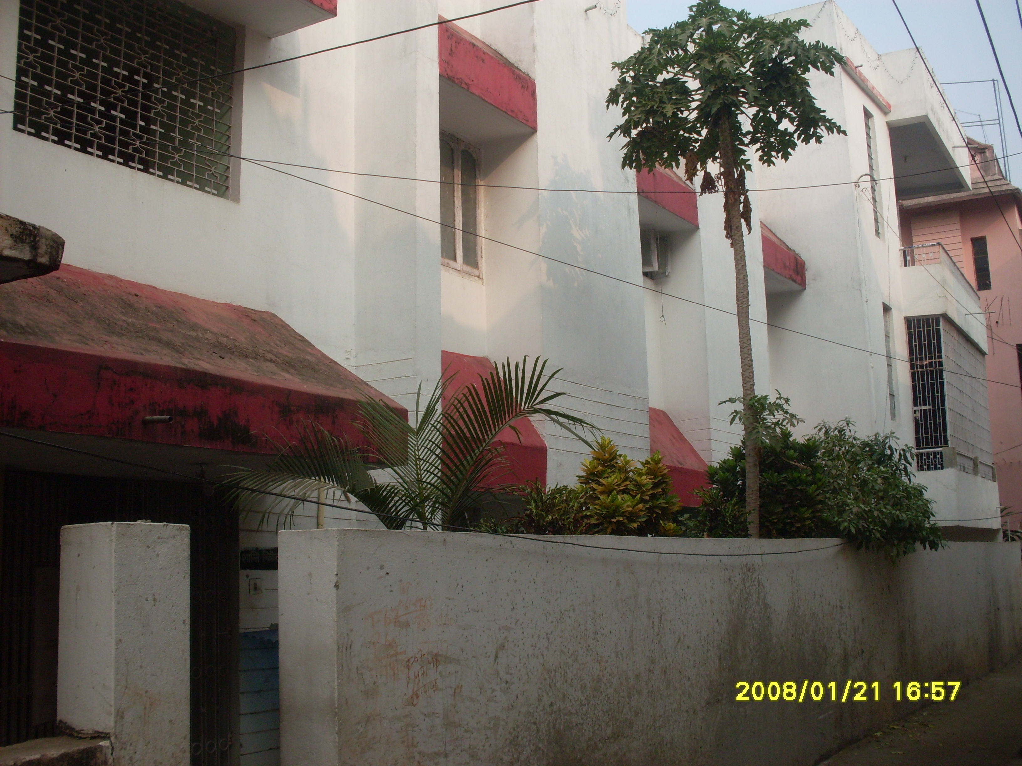 1 Room, Kitchen, Bath+balcony For Rent