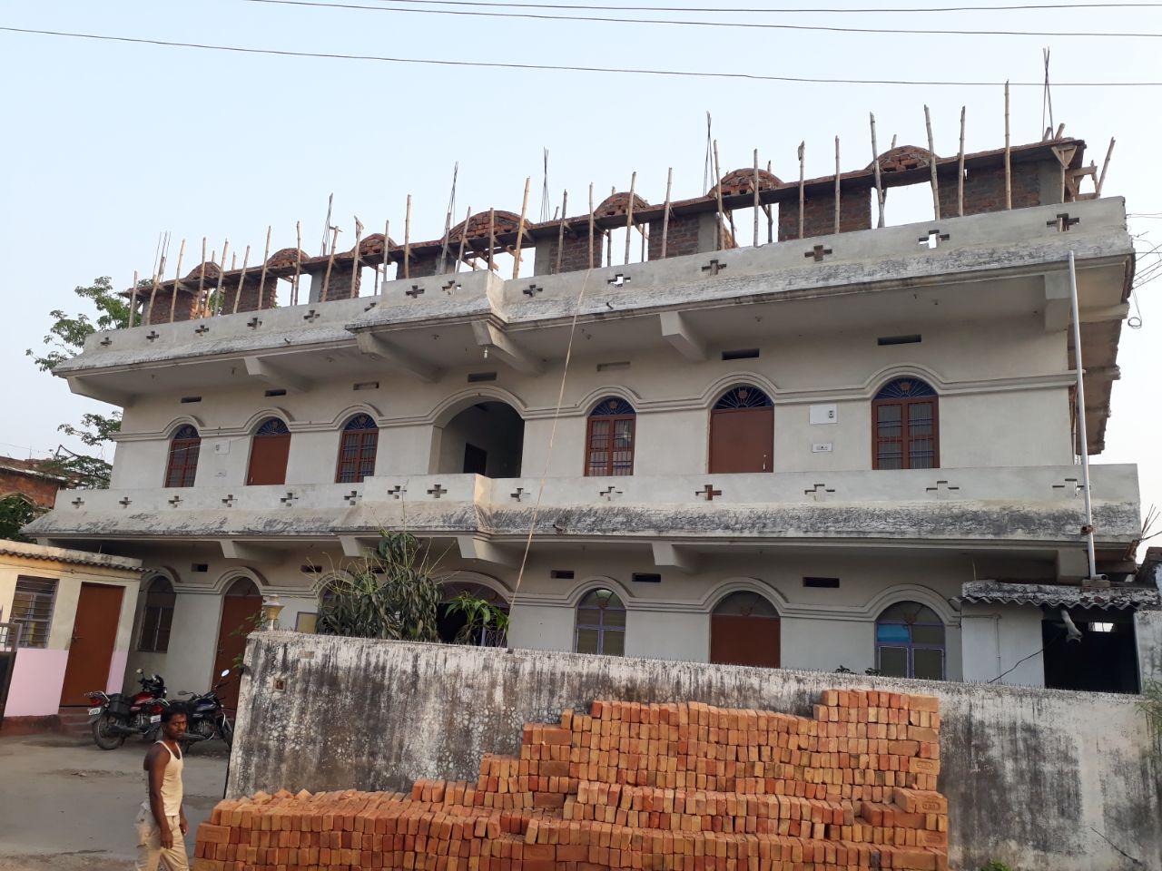 Office For Rent Near 1 Km Of Railway Gumti