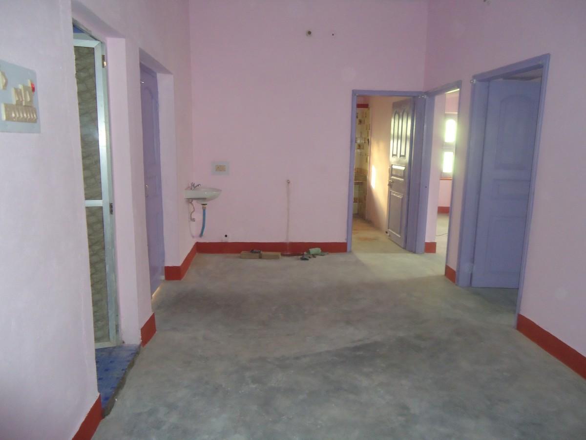 1200 Sq Ft 2bhk (+car Parking) 1st Floor In Rewa Road, Bhagwanpur