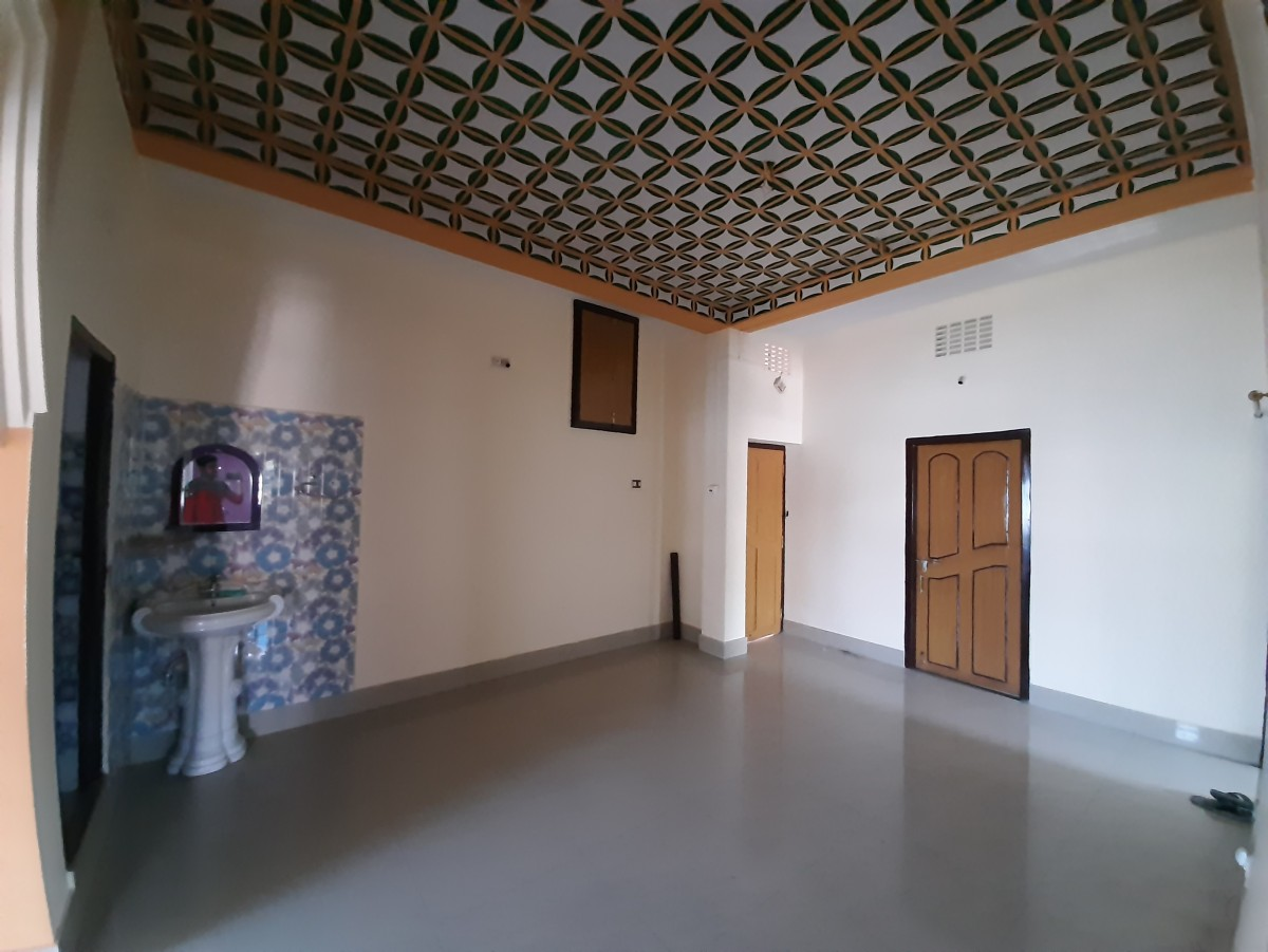 Residenial Flat For Rent Near New Colony Panibagh