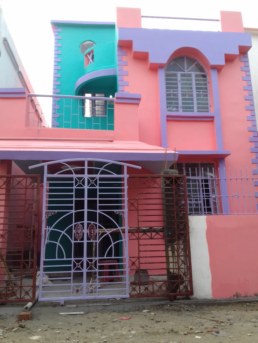 Newly Constructed 03 Bhk Villa,  04 Side Open Property With 02 Bathroom, 01 Big Balcony, Covered Car Parking And Lobby With 24 X 7 Society Security Is Available For Rent