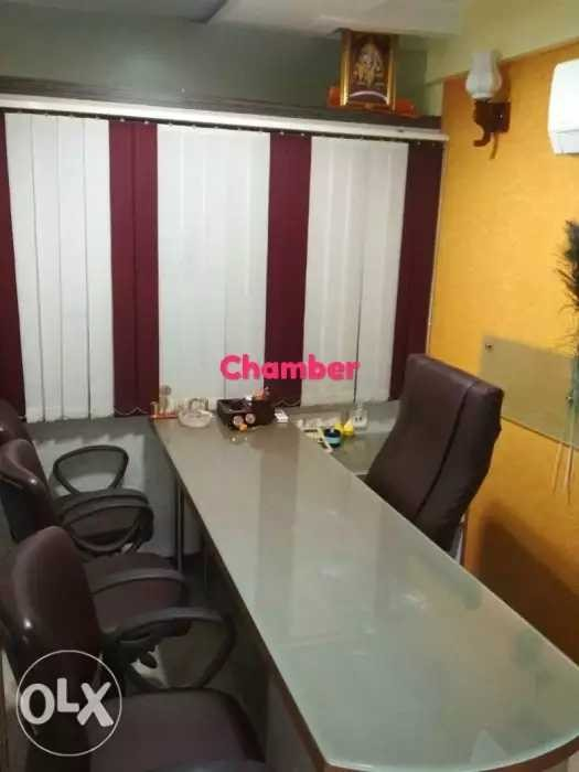 पूरी तरह से तैयार ऑफिस बेचना है Surat Gujarat.