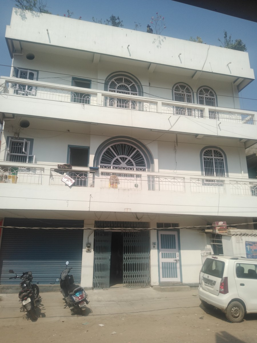 1600 Sq Ft Space Available For Rent