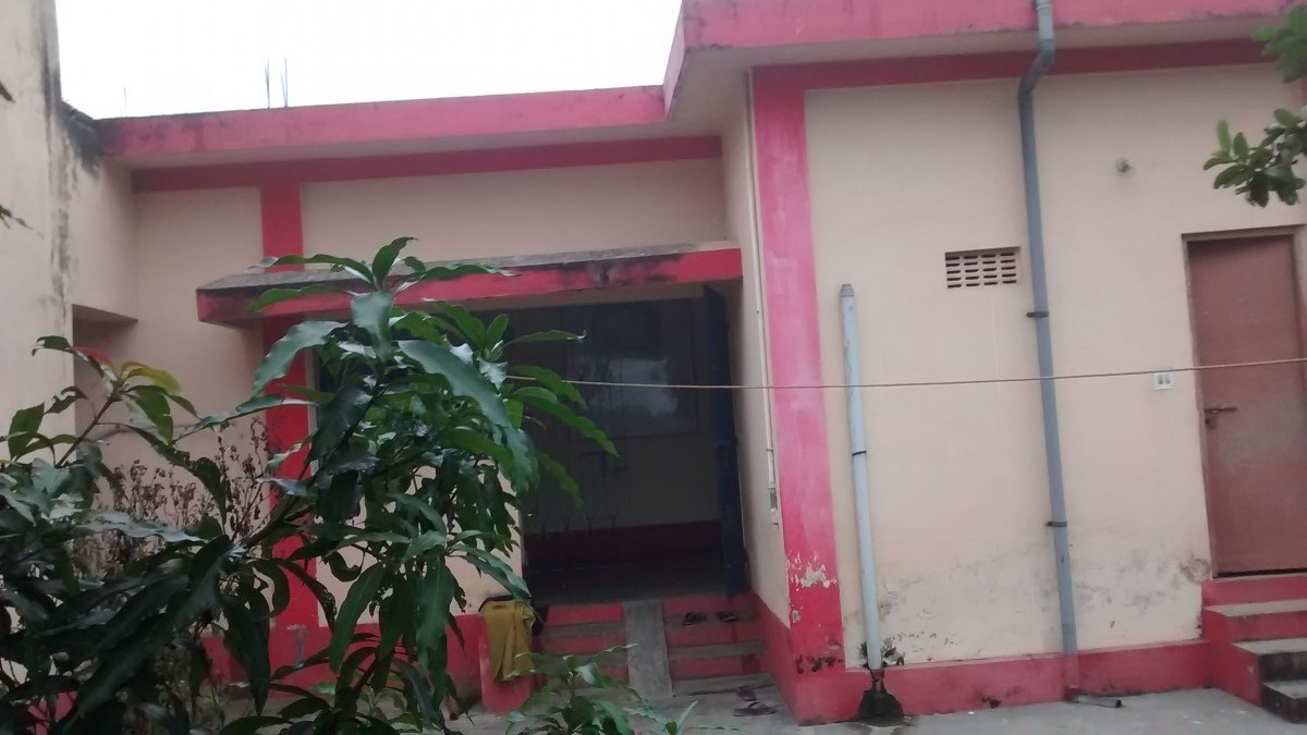 Resedential Plots For Sale With Built House 3 Rooms
