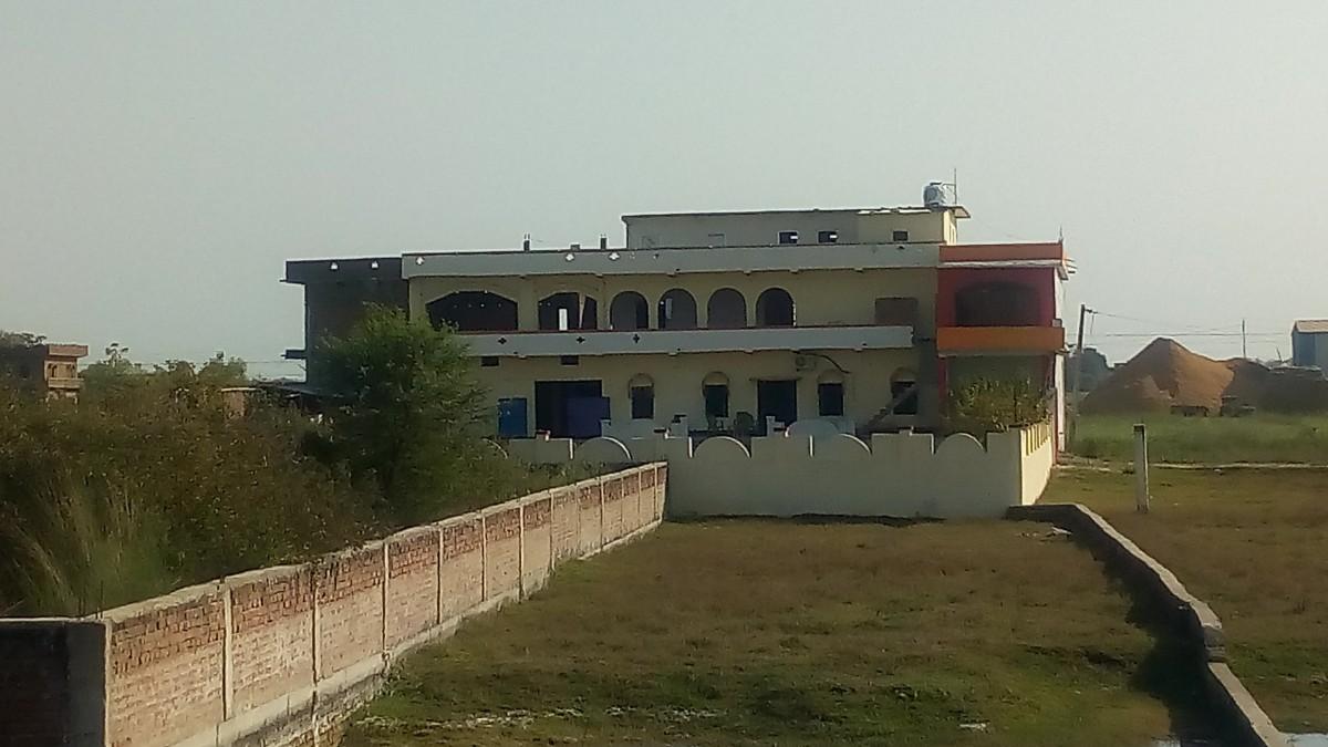 School Property For Rent In Dinara