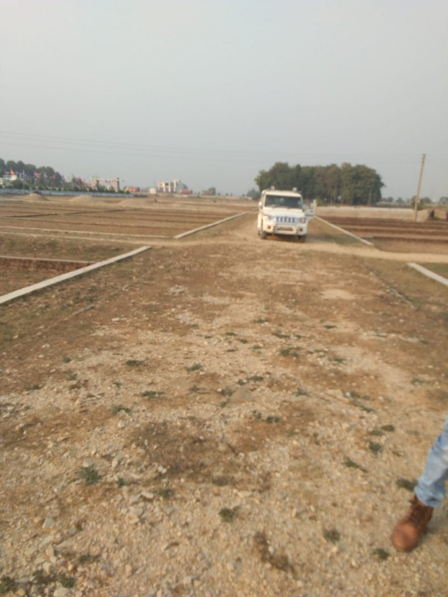 Bihar( Sasaram) Mein Plot Le 1.5 Lakh Mien Ek Khubsurat Colony Mein Sari Subdhao Ke Sath Mein 9675182102
