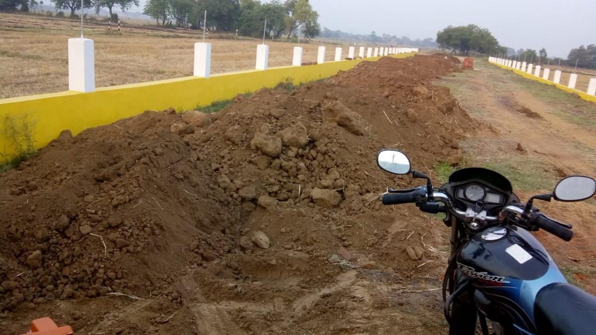Plot In Bihta Near Iit